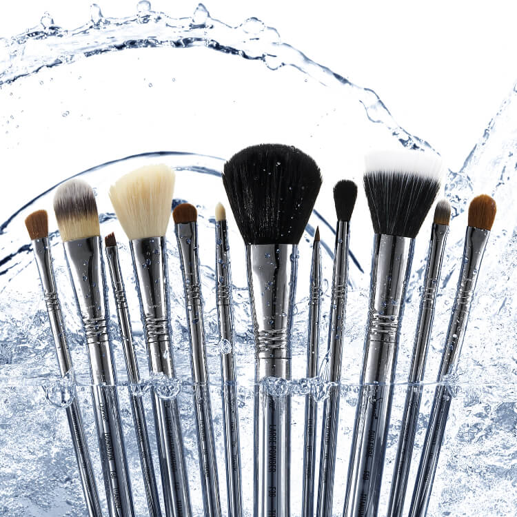 Sigma Beauty: Titanium Brush Set