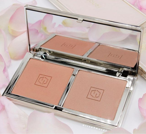 Jouer: Blush Bouquet