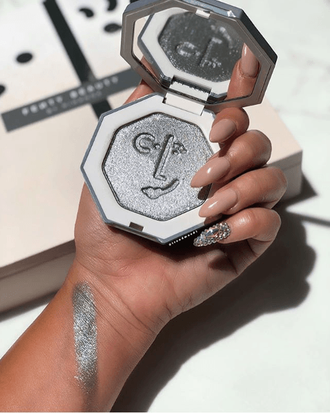 Fenty Beauty: Diamond Ballout Highlighter